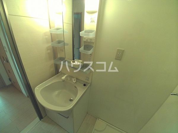 メゾン四季彩 B 102号室の洗面所