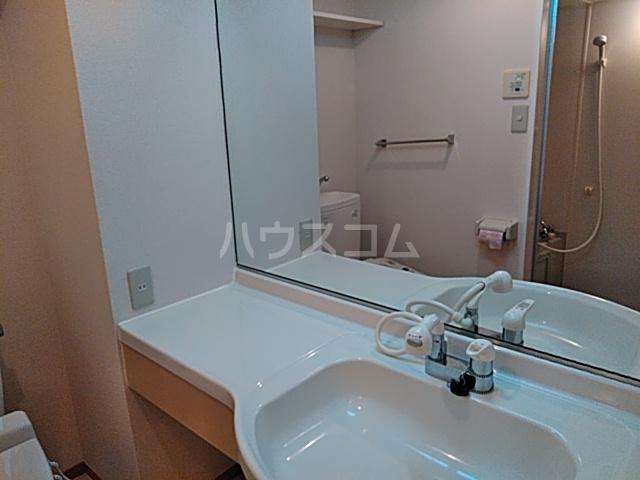 シェトワ 201号室の洗面所