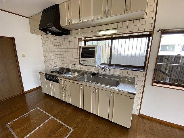 竜美東戸建借家のキッチン