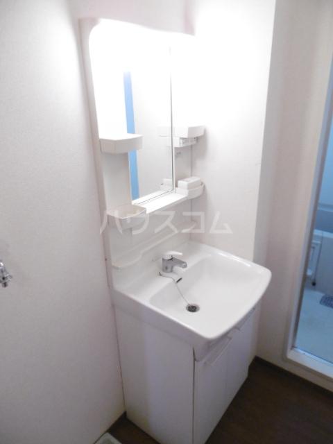 フローラルコート 201号室の洗面所