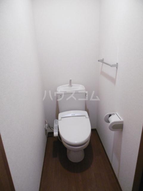 フローラルコート 201号室のトイレ