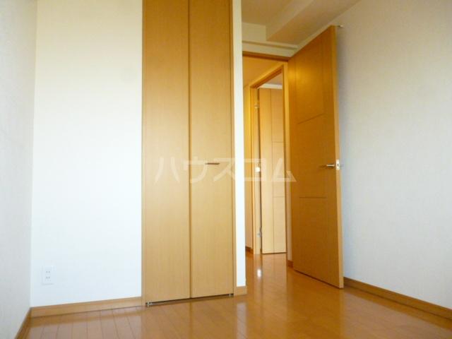 クイーンシティ松戸シーズンズガーデン 504号室のベッドルーム