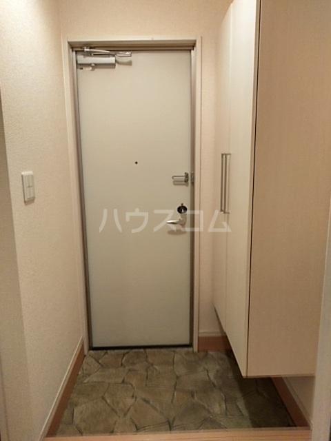 コスモス ブラン 102号室の玄関