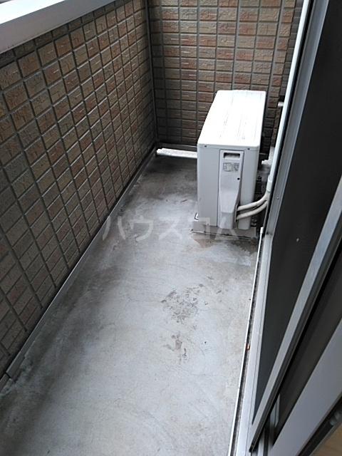 コスモス ブラン 102号室のバルコニー