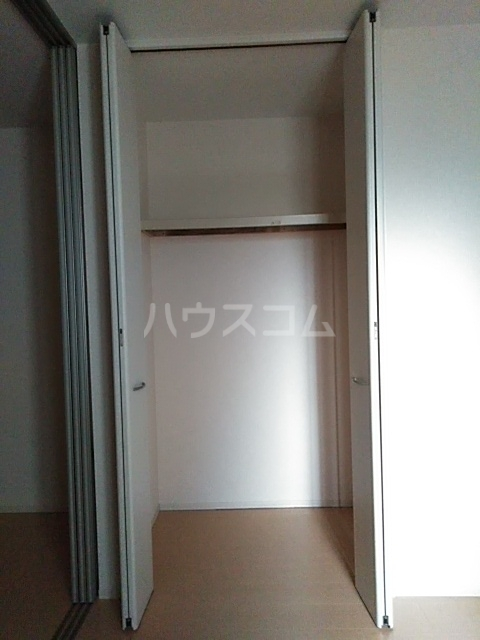 コスモス ブラン 102号室の収納