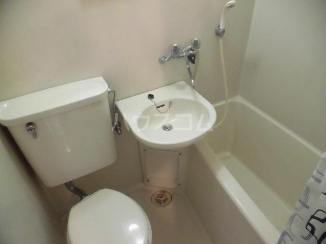 アドバンス国立 208号室の洗面所