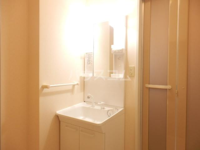 プランタニエール 206号室の洗面所