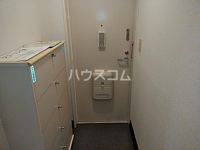 エイト砂川 101号室の玄関