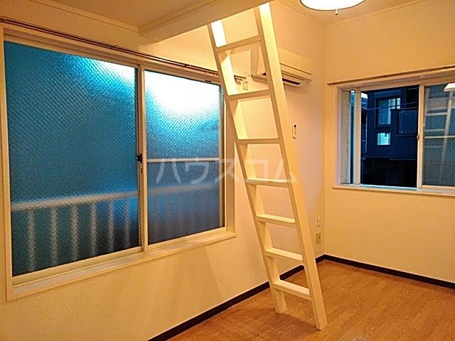 エイト砂川 103号室のリビング