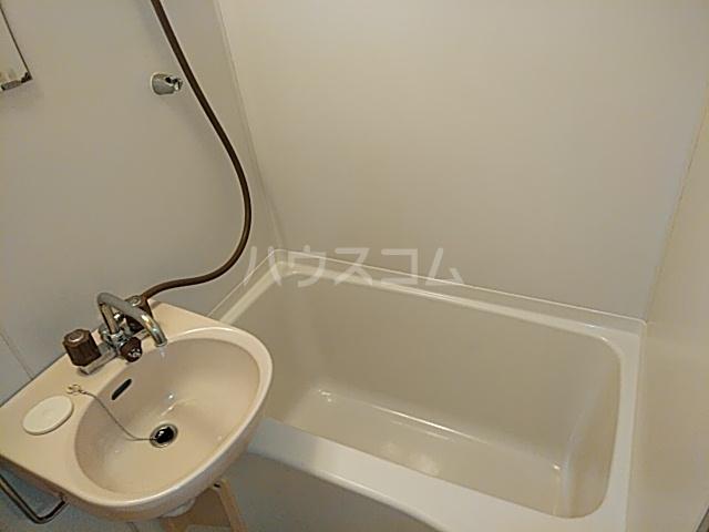 エイト砂川 103号室の風呂