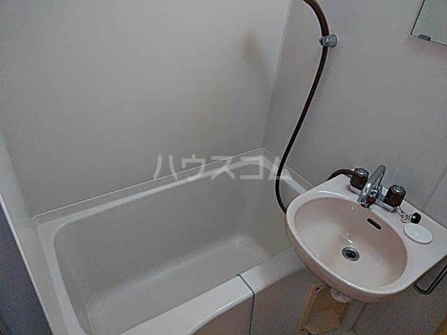 エイト砂川 205号室の風呂
