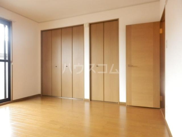 エーデルハイムスズキB 101号室のリビング
