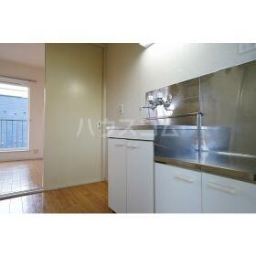 メゾネート5 201号室のキッチン