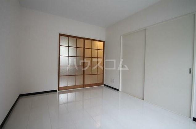 フラット田中 107号室のベッドルーム