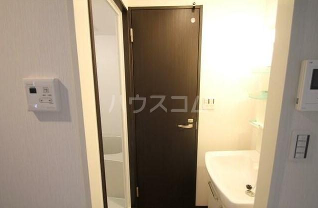 フラット田中 107号室の洗面所
