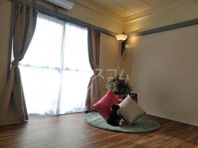Ark立川西 201号室のリビング