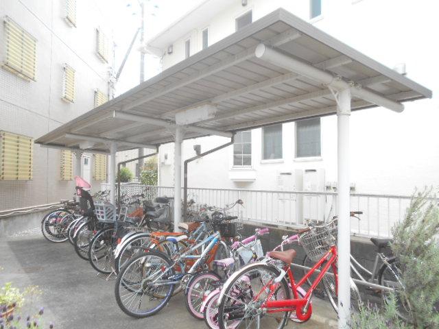 エトワール日野 305号室の駐車場