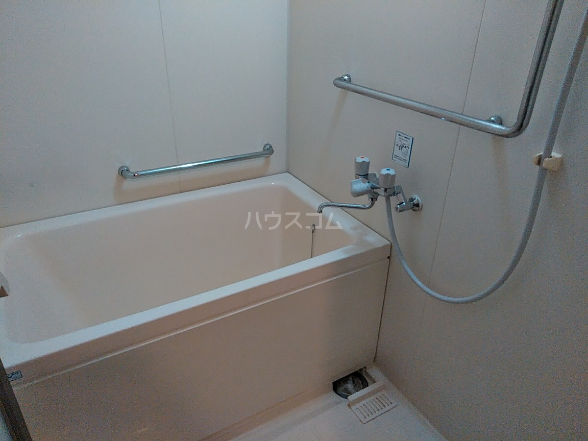 エトワール日野 305号室の風呂