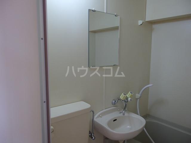 インディビレッジ 1002号室の洗面所
