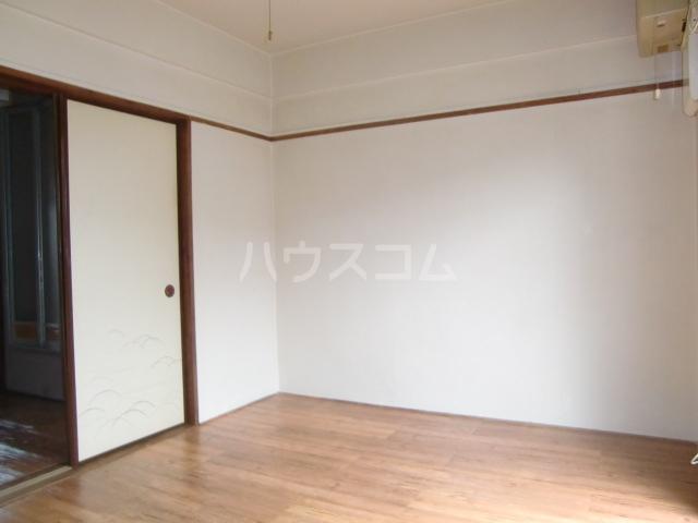 コーポ豊田 301号室のリビング