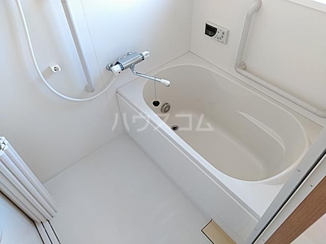 メゾンボヌール 202号室の風呂