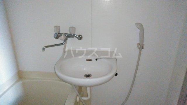 メロウハウス 301号室の洗面所