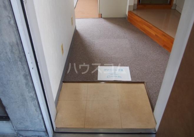 近藤ビル 302号室の玄関