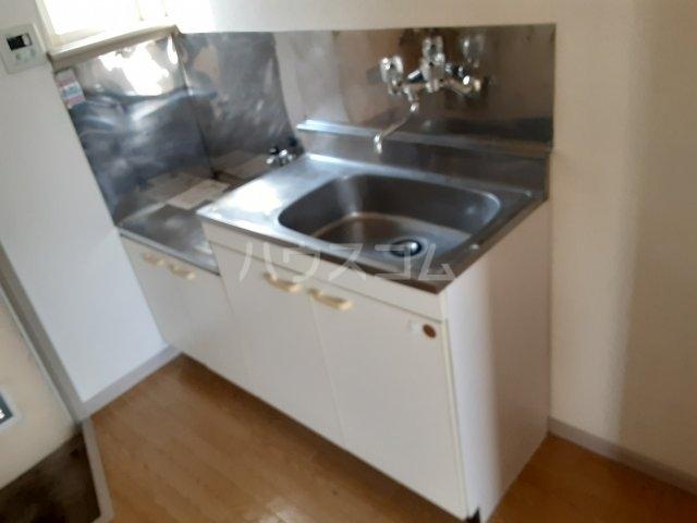 ラビアン8号館 201号室のキッチン