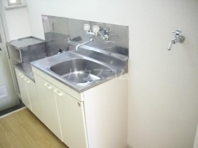 ラビアン7号館 103号室のキッチン