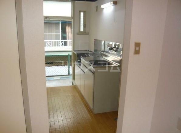 ラビアン7号館 202号室のキッチン