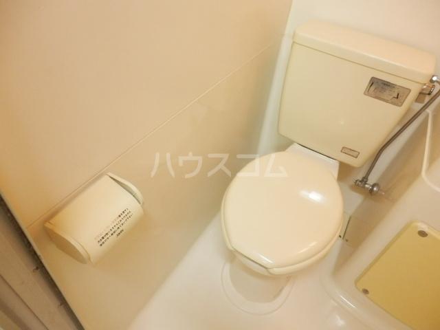 ラビアン7号館 202号室のトイレ