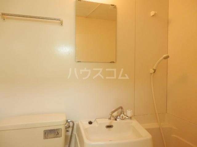 ラビアン7号館 202号室の洗面所
