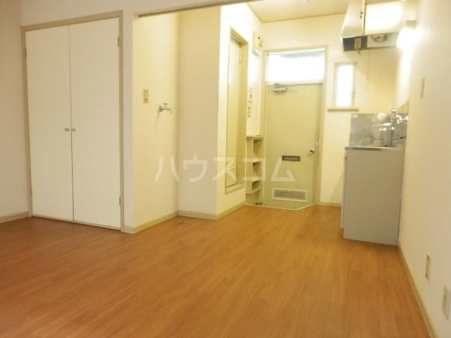 ラビアン6号館 103号室のリビング