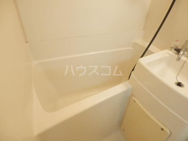 ラビアン6号館 103号室の風呂