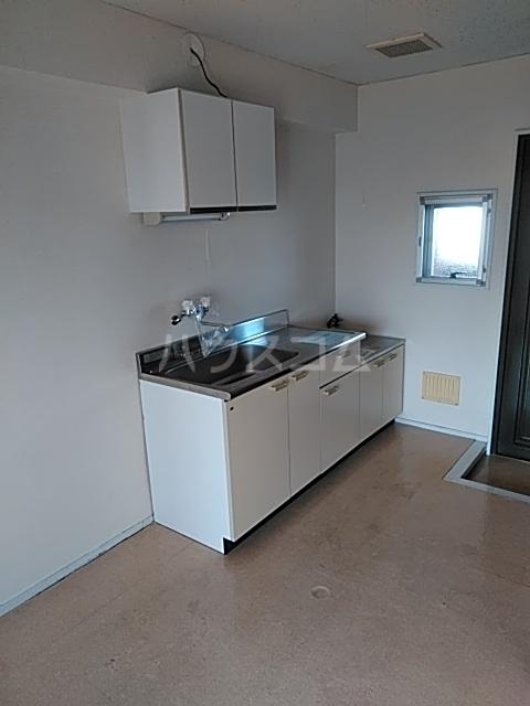 松原ハイツ 207号室のキッチン
